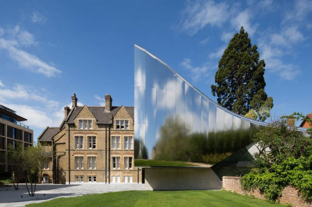 investcorp_building_for_oxford_universitys_by_zaha_hadid_architects.jpg