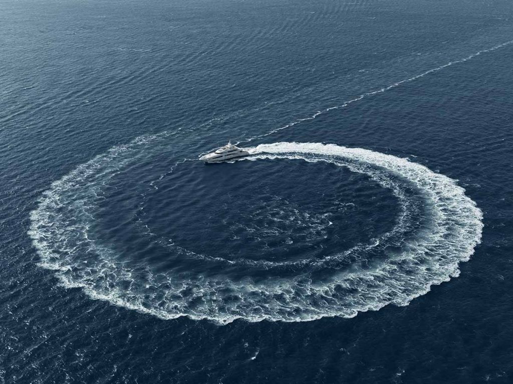 Yacht_interior_casaricca_1.jpg